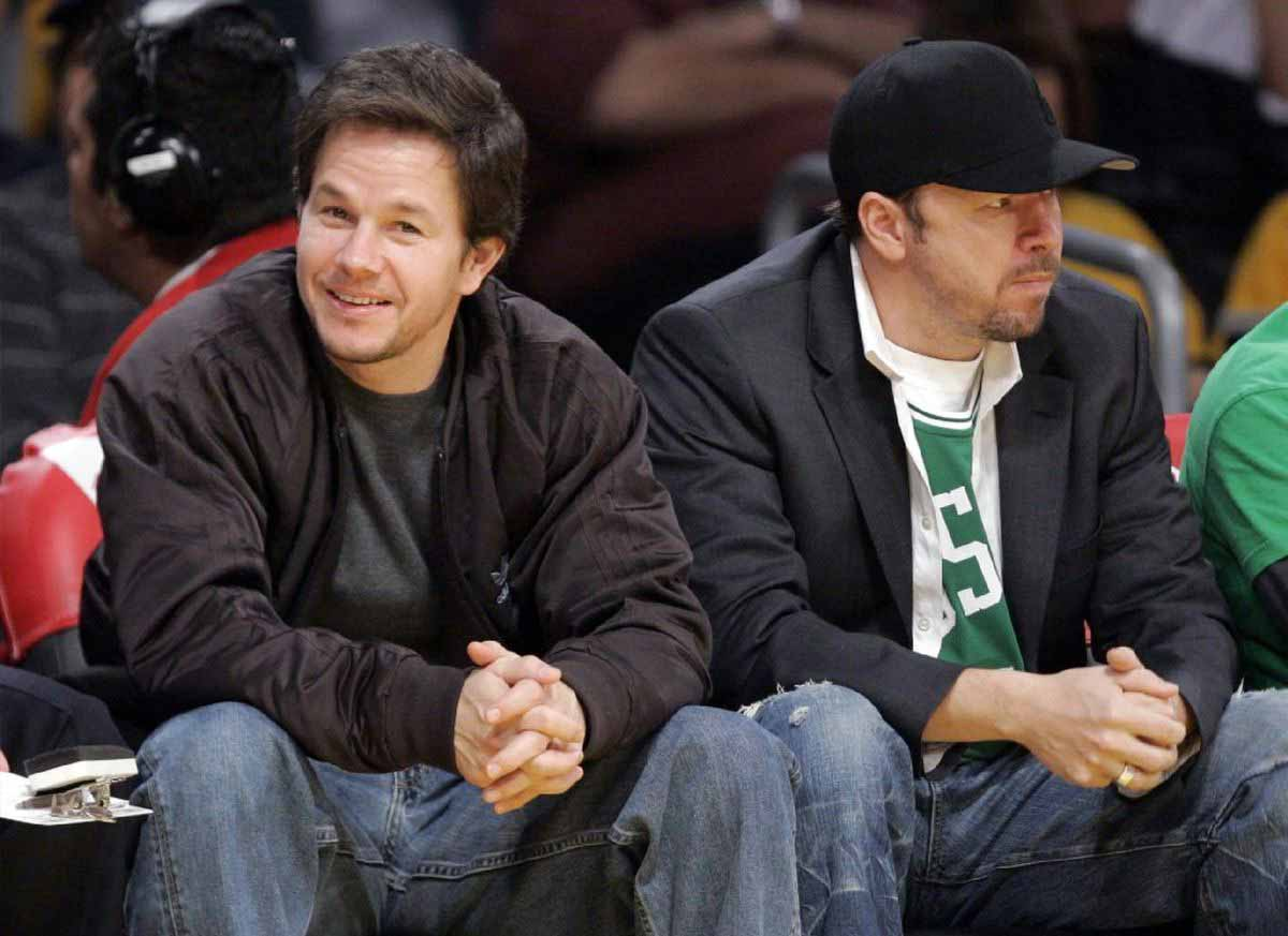 Photo of Donnie Wahlberg and brother, Mark Wahlberg.