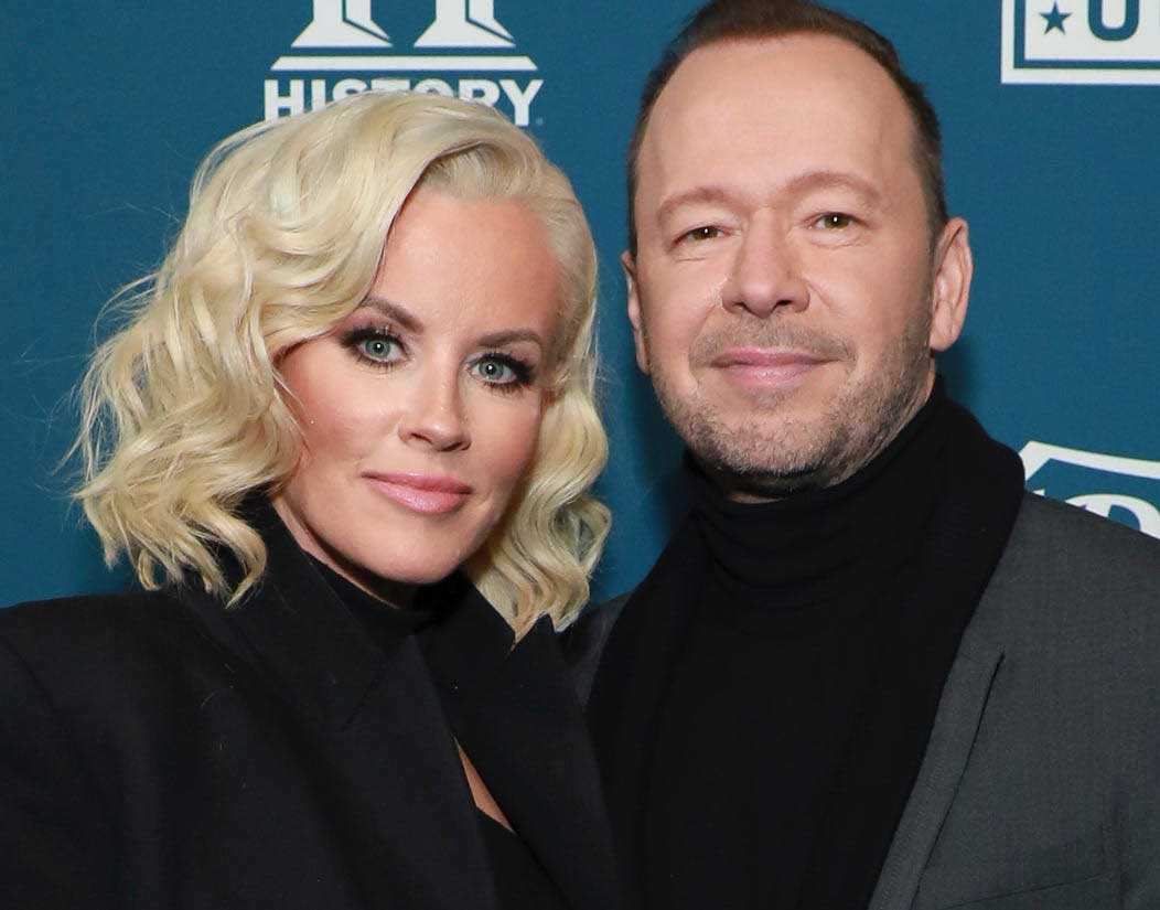 Photo of Donnie Wahlberg and his wife, Jenny McCarthy.