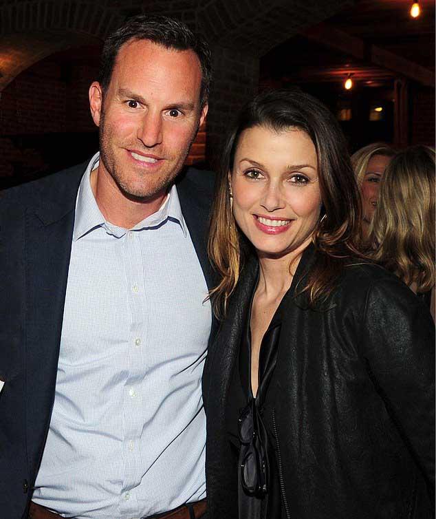 Image of Bridget Moynahan and her husband, Andrew Frankel together.