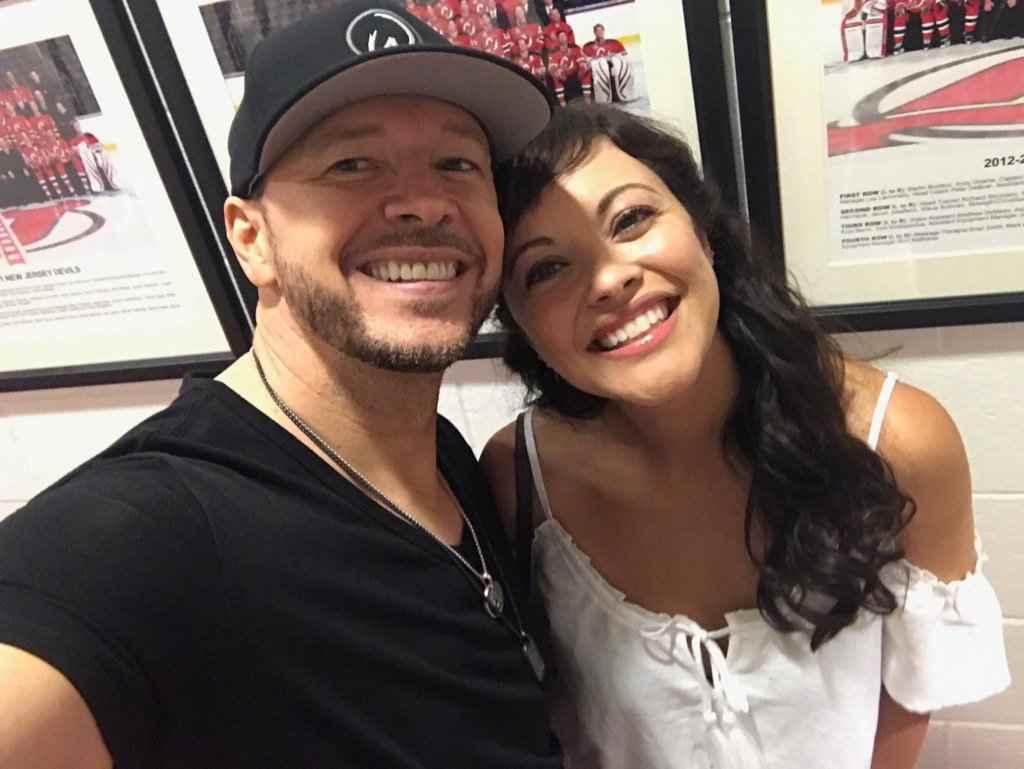 Marisa Ramirez with her onscreen friend, Donnie Wahlberg