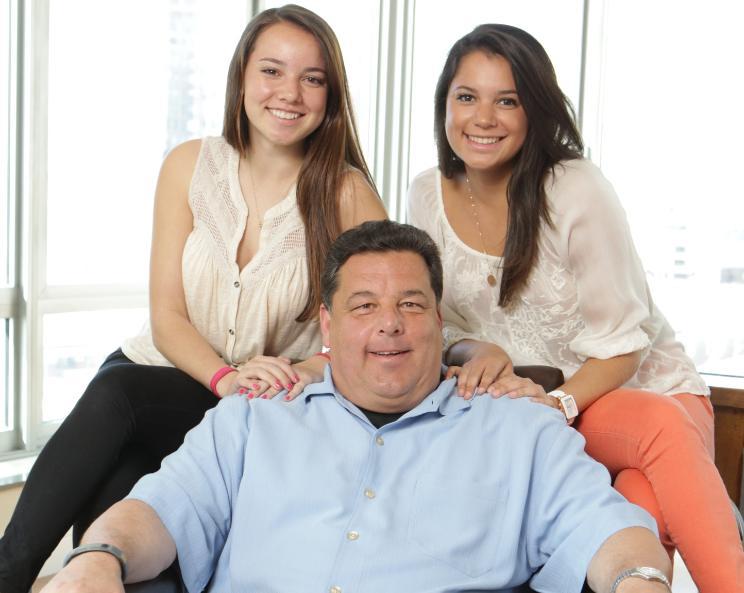 Steve Schirripa with his daughters
